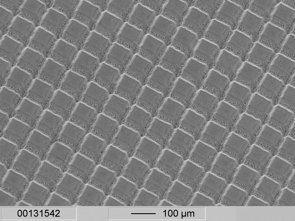 Texturation de surface de feuille métallique